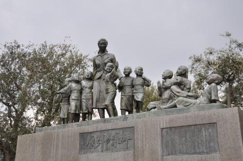 土庄港 平和の群像