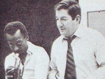 マイルスとテオ・マセロ(右)