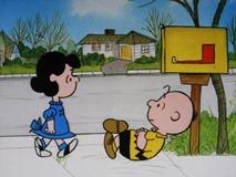 バレンタインカードを待つチャーリー・ブラウン