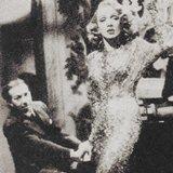 ディートリヒとホレンダー(左 )1948年 映画「A Foreign Affair 」から