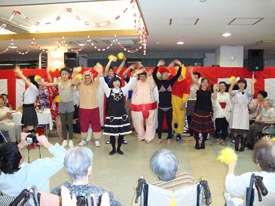 東京都 足立区 介護老人保健施設(入所・短期入所・通所リハビリ) 千寿の郷 納涼祭 ダンスパフォーマー