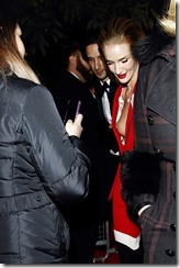 rosie-huntington-whiteley-251206-1 (4)