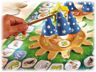 小さな魔術師:帽子を持ち上げる