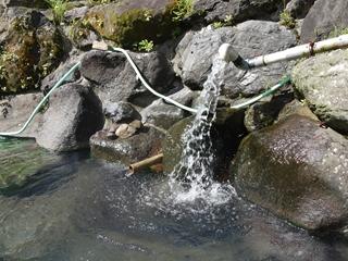 岩間の湯口_R