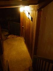 階段降りる2_R