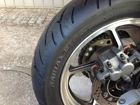 タイヤ交換(BT-023後輪)