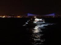 ボスポラス海峡の夜景