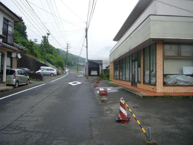 桜木町バス停付近から旧コンビニ跡(岩下方面)