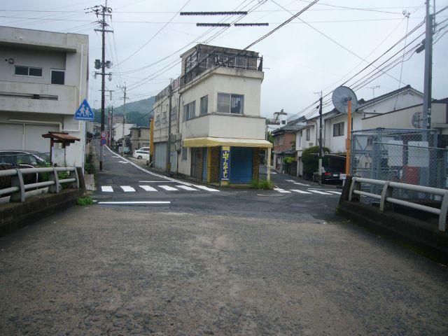 縄手橋より桜木方面左がバス道