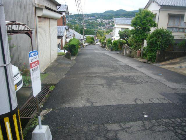白石アパート前バス停