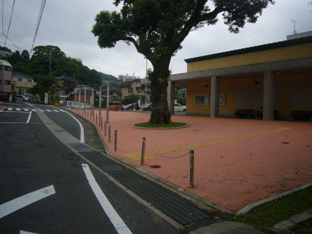 総合教育センターふれあい号バス停から望む