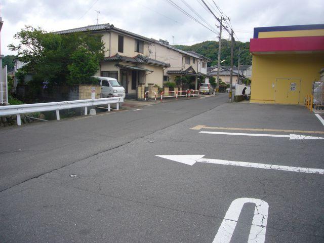 淀姫神社バス停遠景ドラッグも