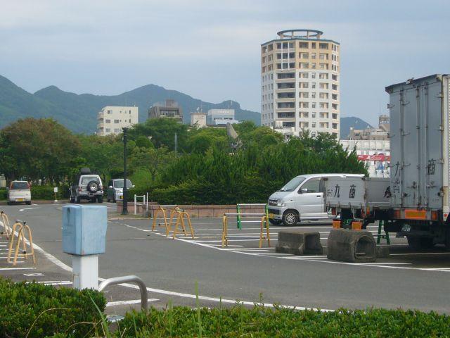 鯨瀬ターミナル駐車場