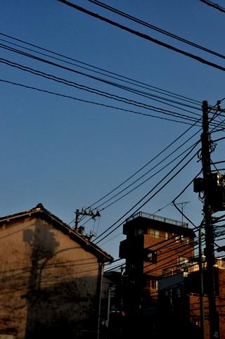 広島焼き屋の前にて
