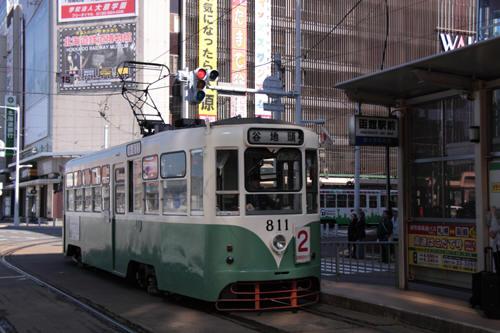 函館駅前停留所の811号