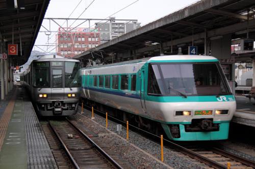 和歌山駅に到着した381系スーパーくろしお