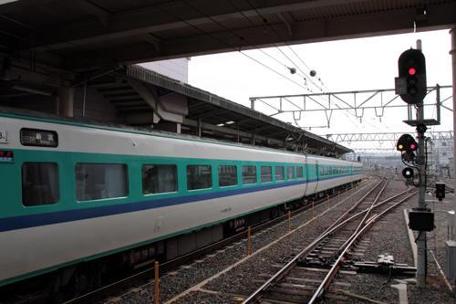 和歌山駅ホームに停車した381系