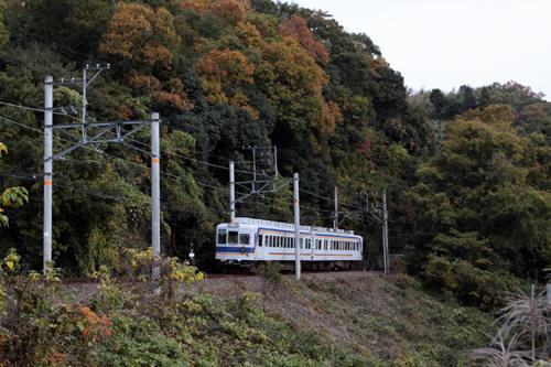 大池遊園~山東間を行く上り電車