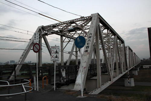 淀川橋梁の様子