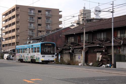 塚西~東玉出を行くモ609