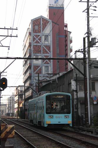 南霞町~恵比須町間のモ601