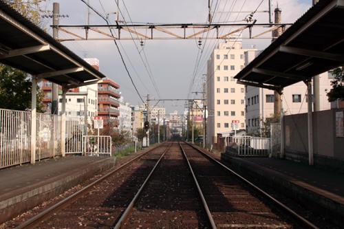 今池駅ホームからの恵比須町方向