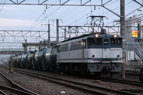 蘇我駅の8178列車のEF65 1094