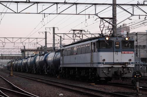 蘇我駅の8178列車のEF65 1092