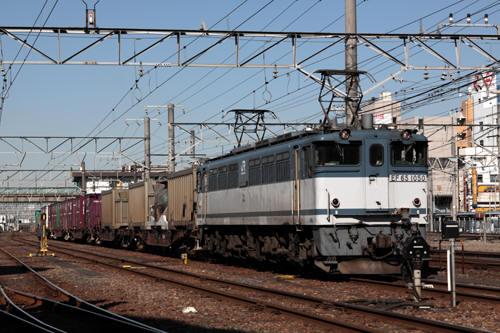 蘇我駅の1091列車のEF65 1050