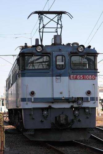 蘇我駅の8472列車のEF65 1080