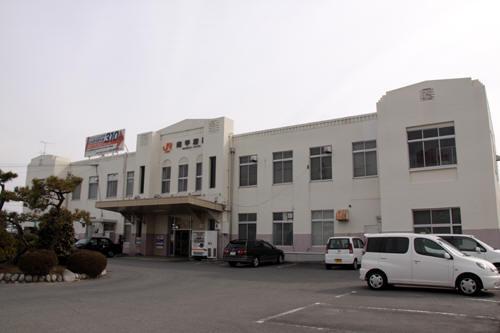 南甲府駅駅舎