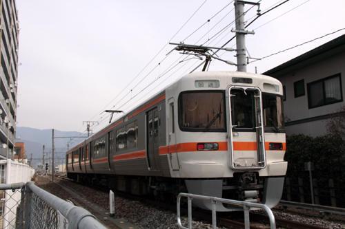 南甲府駅構内の回送電車