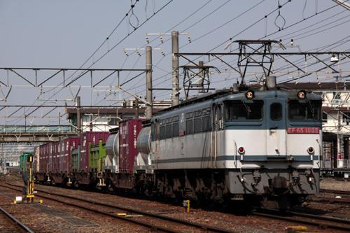 蘇我駅の1091列車のEF65 1092