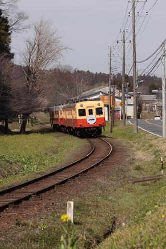 里見のSカーブを行く15A列車