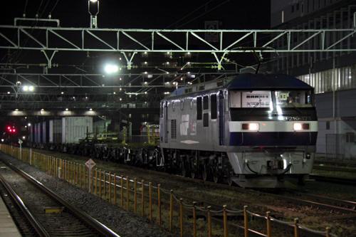 蘇我駅の5972列車のEF210-173