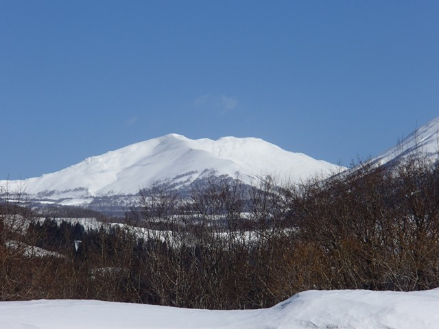 南から見る月山