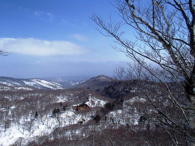 千本松山から保野川源流と花染山