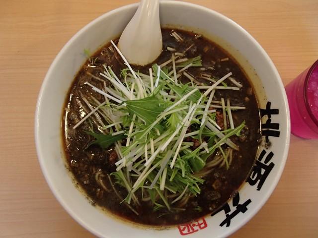 締めの黒ゴマ坦々麺