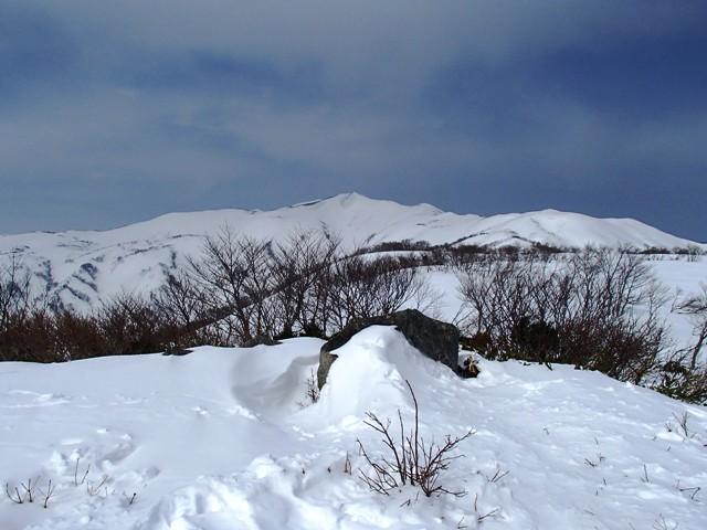 石見堂岳から赤見堂岳