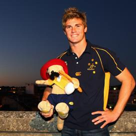 berrick-barnes-the-wallabies-mascot-with-the-walla (PSP)