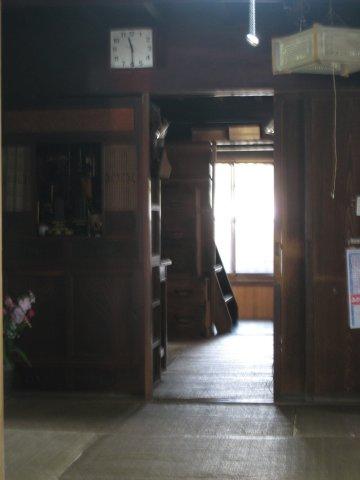 高崎城襲撃の謀議が行われた二階へ上がる階段(二階は非公開)