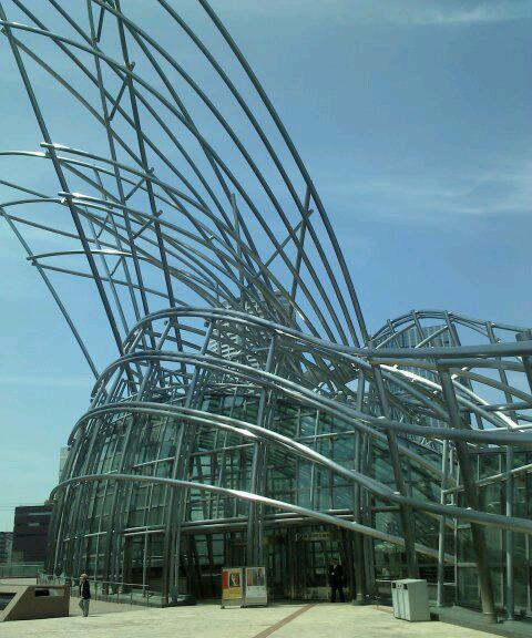 国際美術館建物