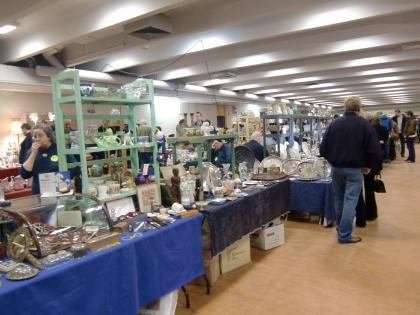 sandown park antique fair3