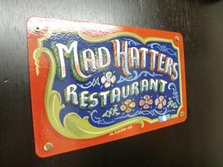 madhattersrestaurant13