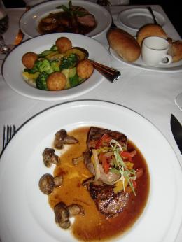 madhattersrestaurant15