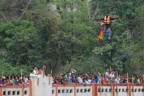 Indian-stuntman-Sailendra-Nath-Roy-1859353.jpg