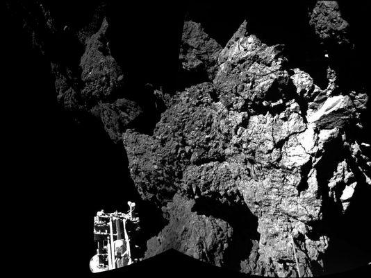 635514583353144937-AP-Comet-Landing.jpg