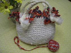 裂き布の編みバッグ(オーガンジーリボン付き)