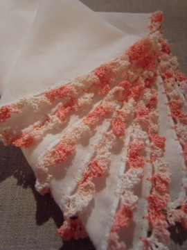 フリル編みのハンカチ