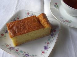 芳醇・酒粕ケーキ